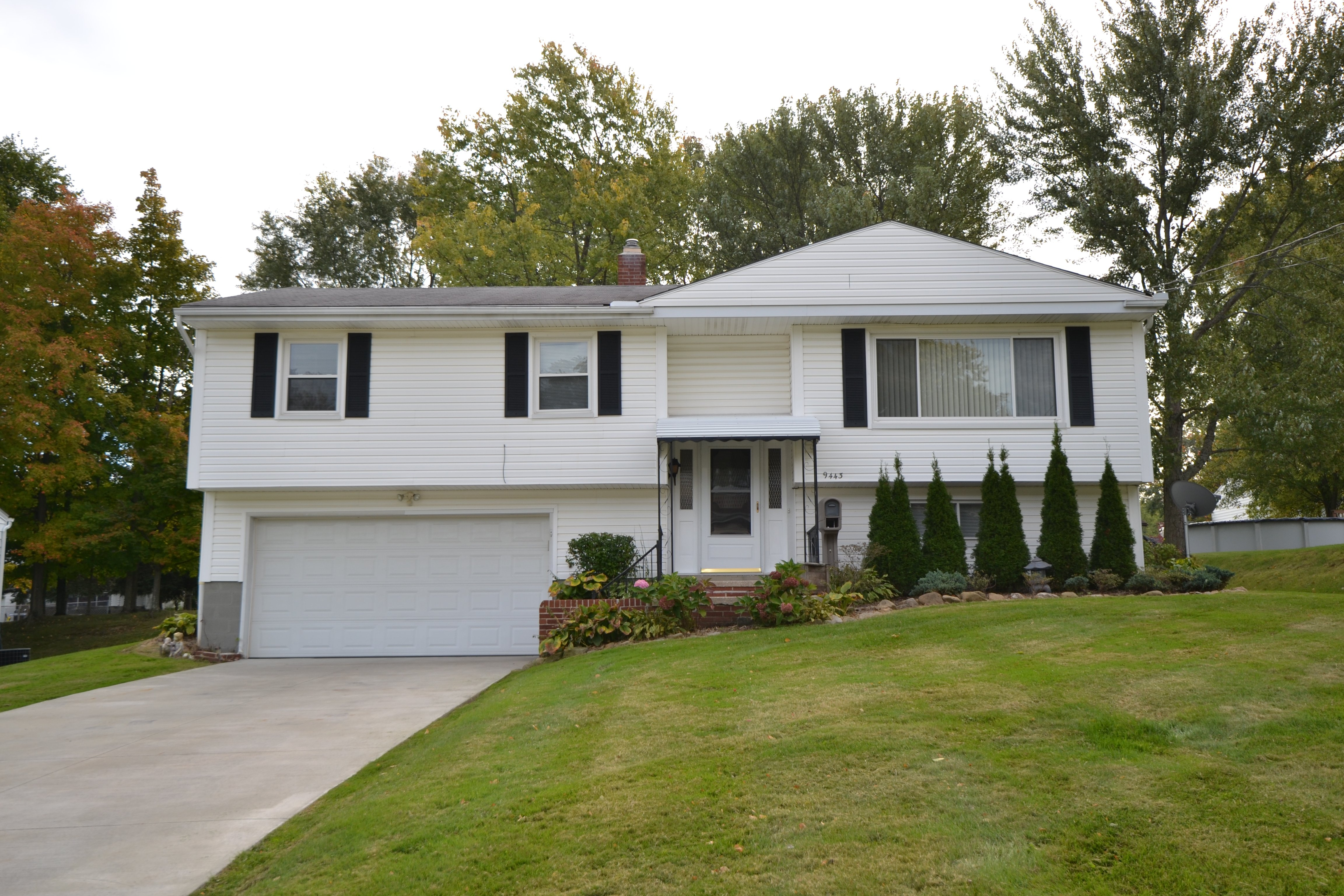 Twinsburg, OH- Contingent – $159,900