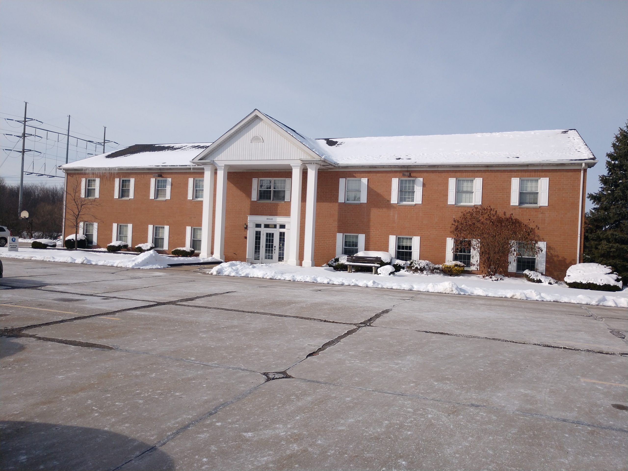 Solon, OH –FOR LEASE $12 per square foot